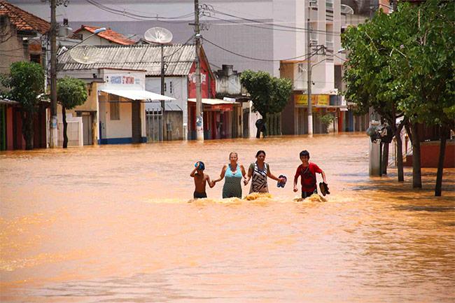Consequências da falta de saneamento básico: enchentes