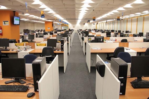 ambiente aberto nas empresas estimulam o trabalho em equipe