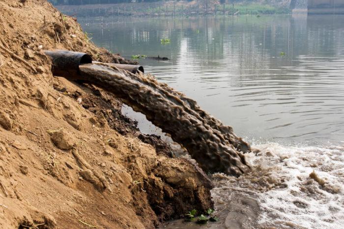 Poluição dos recursos hídricos