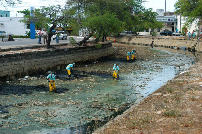 Poluição de recursos hídricos no Brasil