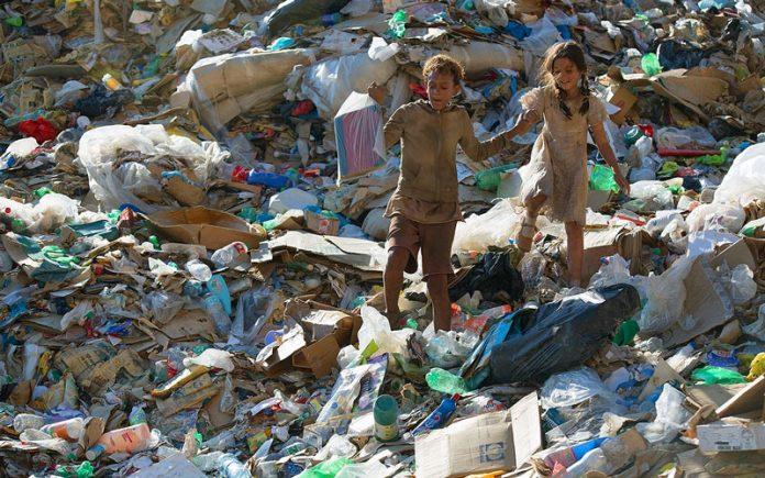 Plástico e os resíduos sólidos no Brasil