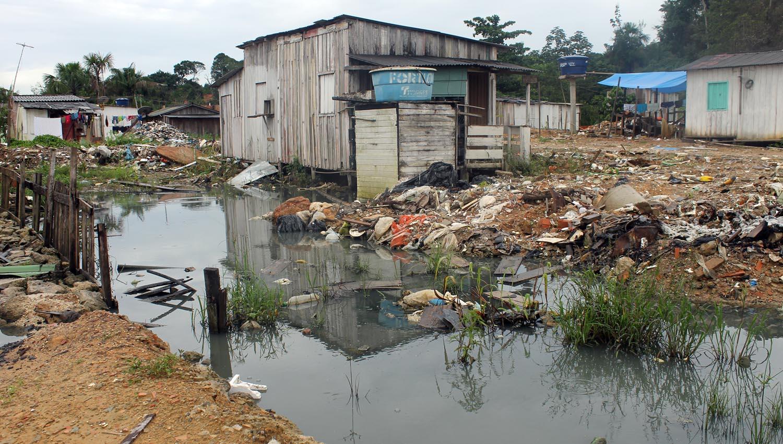 Local sem estrutura para saneamento básico