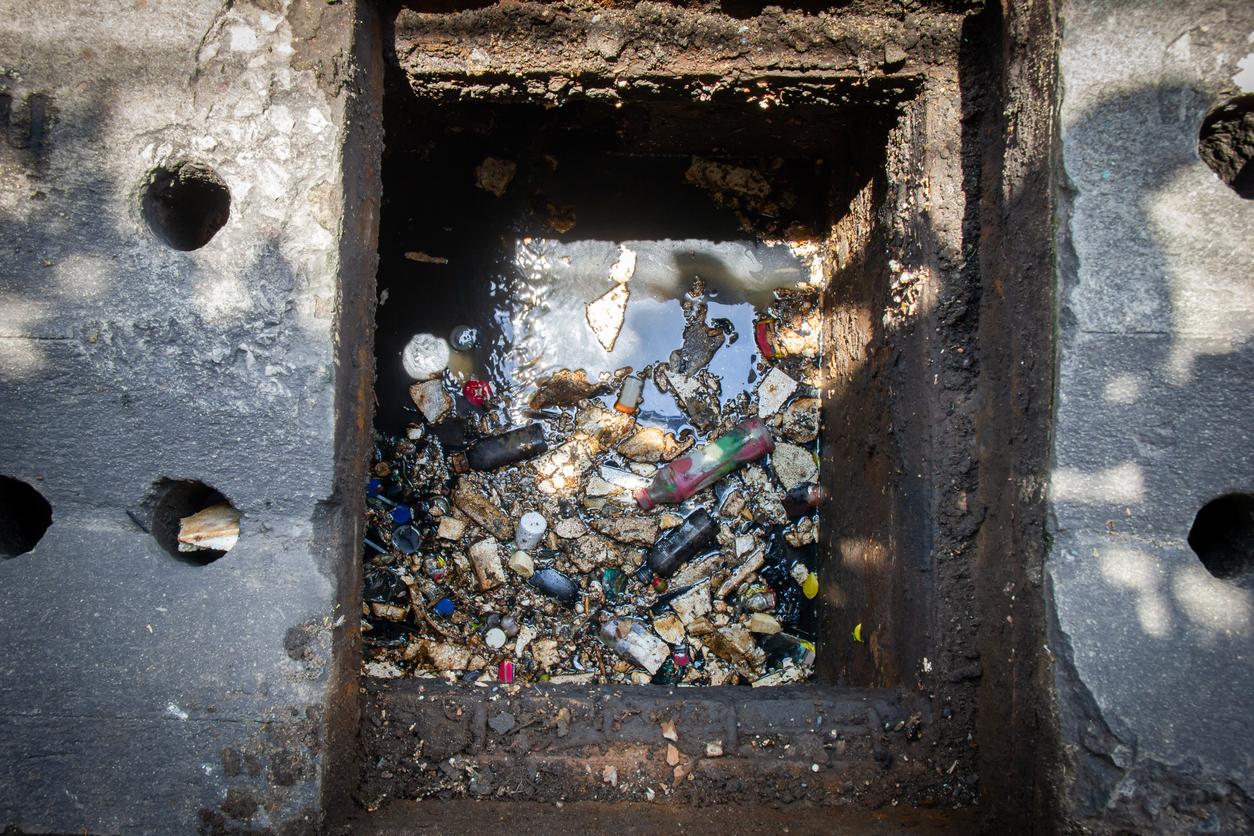 Lixo e a rede de esgoto