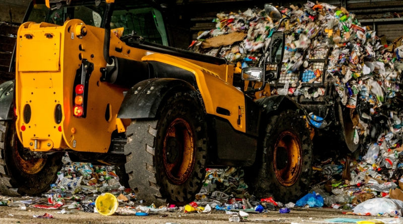 Investimentos em tratamento de resíduos sólidos